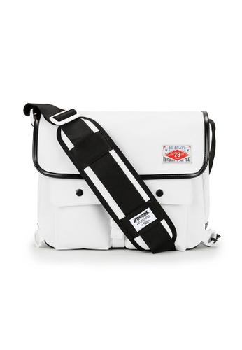 Peeps white Retro Messenger Bag 18E97ACB7FB218GS_1