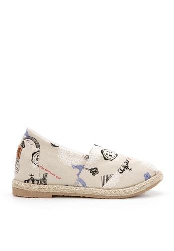 KissXXX 巴黎的旅行紀念美腿效果5CM內增高帆布休閒鞋 KI603SH09OD9TW_1