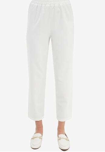 Trendyol white Crop Trousers 6478BAAF6BF818GS_1
