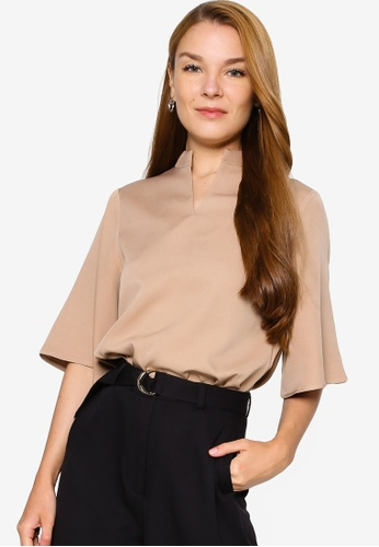 ZALORA WORK brown Notch Neck Wide Sleeves Top E3318AAAE976FDGS_1