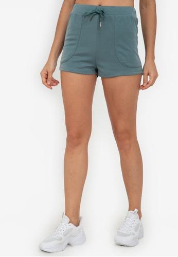 ZALORA ACTIVE green Raw Hem Shorts 6DCA1AA3532D77GS_1