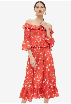 5d9581c9cf65 TOPSHOP red Shirred Floral Print Bardot Dress E6943AACE0C508GS 1