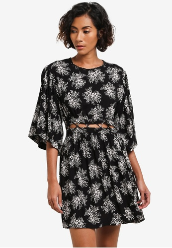 TOPSHOP black Printed Lattice Detail Smock Dress TO412AA0RMX5MY_1
