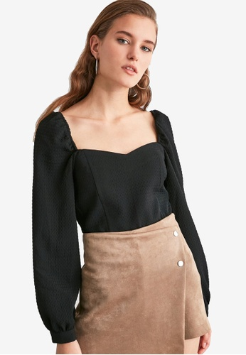Trendyol black Balloon Sleeve Textured Square Neck Top BE434AA8549E82GS_1