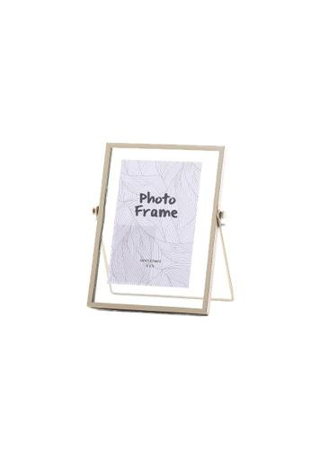 DILAS HOME Gold Floating Photo Frame - Medium D76E8HLB96D3E6GS_1