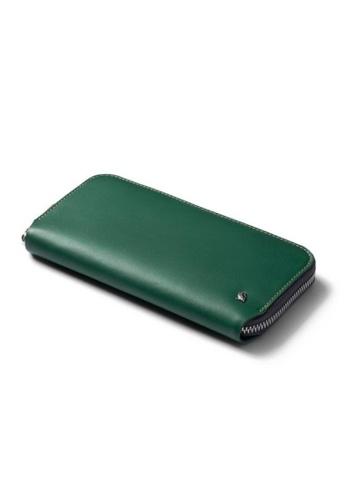 Bellroy green Bellroy Folio Wallet - Racing Green. 084F8AC06A76A0GS_1