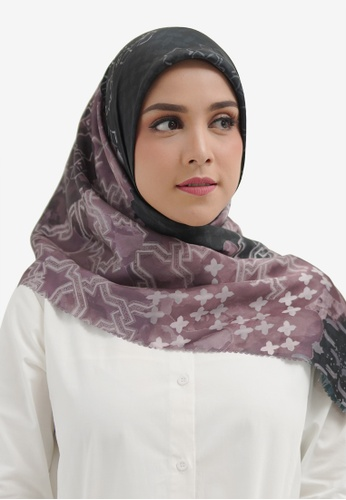 Buttonscarves black Buttonscarves Haramain Satin Square Black 42E57AACA91C7AGS_1