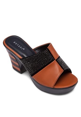 zalora時尚購物網的koumi koumi閃飾拼接粗跟涼鞋, 女鞋, 中跟