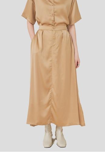 We Enjoy Simplicity beige Tim A-Line Satin Long Skirt (Khaki) 2B58CAA40A99A0GS_1