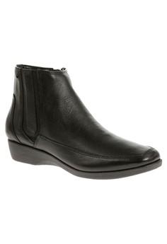 Sharla Carlisle Boots