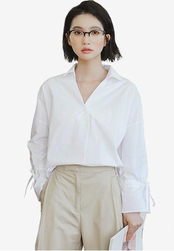 Shopsfashion white Tie A Bow Shirt 8F016AAEB04352GS_1