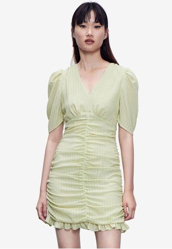 Urban Revivo 綠色 Light 褶飾洋裝 2933BAA56EC37AGS_1