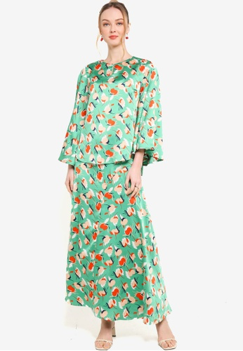 Lubna green and multi Long Bell Sleeves Kurung 90C71AAFFF2407GS_1