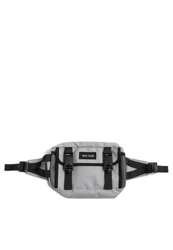 Twenty Eight Shoes Street Wear Functional Chest Bag 276AI2019 C5A86ACC1C3237GS_1