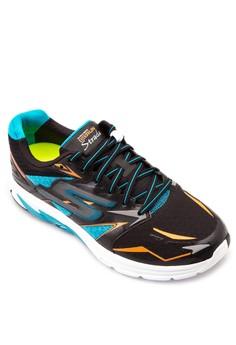 Go Run Strada Sneakers