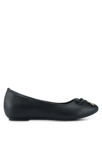 Bata 黑色 蝴蝶結雕花平底鞋 FA4BFSHEC15529GS_1