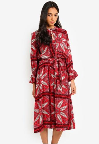 e5b93a328740 Dorothy Perkins red Petite Red Paisley Print Midi Dress 3D06CAA628E1C0GS_1