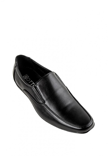 Otto black Slip-On Shoes B3027SHAB11C94GS_1