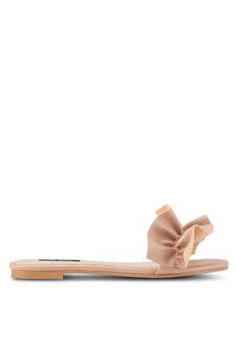 ZALORA beige Ruffle Sandals 335F2SHB8539A4GS_1