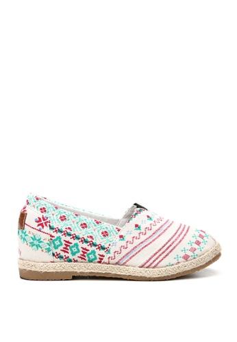 KissXXX 多色 甜美民族風圖樣美腿效果5CM內增高帆布休閒鞋 KI603SH09OFBTW_1