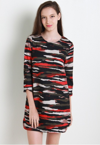 Leline Style red and green Sheba Camo Print Shift Dress LE802AA21XCWSG_1