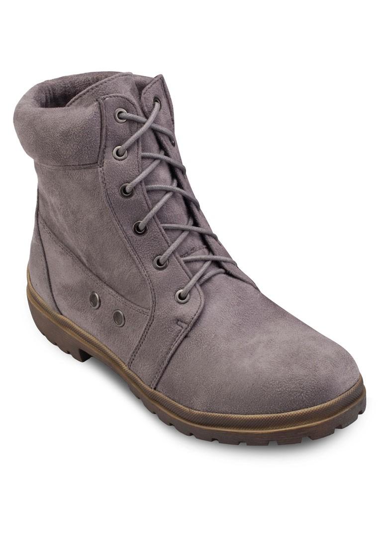 Naamia Boots