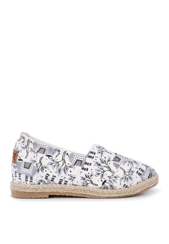 KissXXX 灰色 大象的旅行美腿效果5CM內增高帆布休閒鞋 KI603SH09OF1TW_1