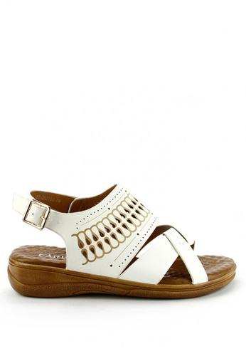 Cardam's Lifestyle white Odeya Sling Sandals CA993SH92AOTPH_1