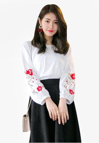 Tokichoi white Embroidered Floral Sweater B60D1AAC152E92GS_1