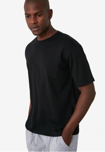 Trendyol black Printed Crew Neck T-Shirt F7BFEAA054679AGS_1