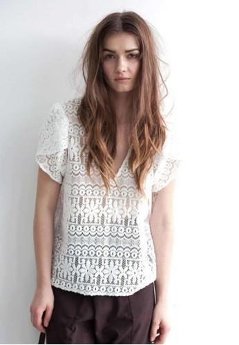 鏤空蕾絲罩esprit官網衫, 服飾, 上衣