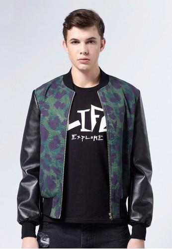 Life8 x Daniesprit香港門市el Wong。叢林豹紋接皮夾克外套-03669-叢林綠, 服飾, 外套