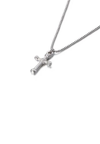 Glamorousky 銀色 簡約經典十字架316L鋼吊墜配項鏈 584FDAC5ABFEA7GS_1