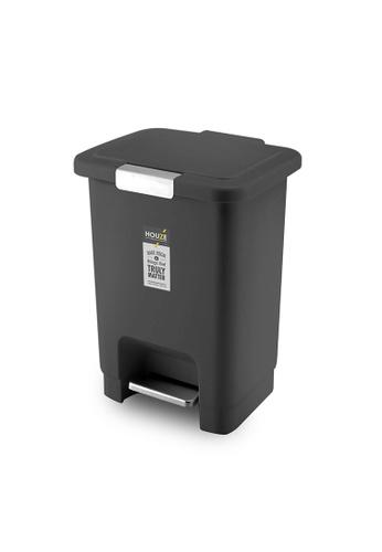 HOUZE black HOUZE - 10L Stepbin with Secure Lock (Black) 2A6A1HL870C2B0GS_1