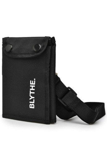 BLYTHÉ black Dell Passport Bag Pria 1CE39AC03828D2GS_1