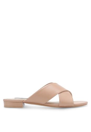 ZALORA brown Cross Strap Sandals 85490SHE03BAB7GS_1
