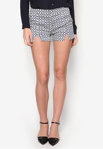 V 形zalora 衣服評價鏤空印花短褲, 服飾, 短褲