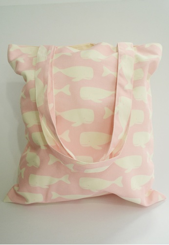 The Twinees pink Swimming Whales Pink Tote Bag TH572AC50NEJSG_1
