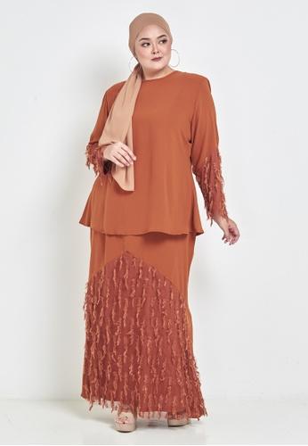 CURVA FABULOUS orange Feathers Lalang Kurung 9DCC9AAEC519A6GS_1