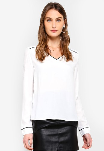 Vero Moda white Mai V-Neck Top FA4DAAA2648491GS_1