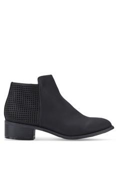 【ZALORA】 沖孔麂皮拉鍊低跟短靴