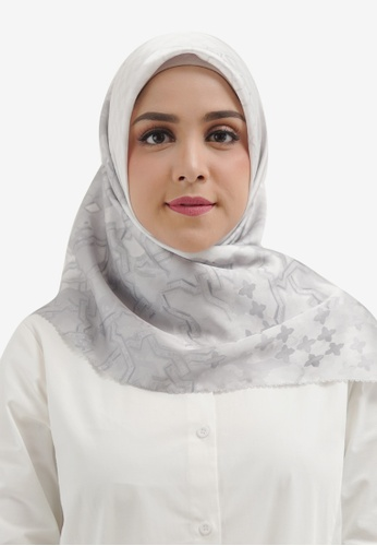 Buttonscarves white Buttonscarves Haramain Satin Square White 2484AAA1DF31DFGS_1