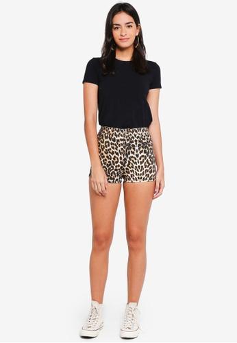977d75f023 Buy TOPSHOP Leopard Print Joni Shorts Online on ZALORA Singapore