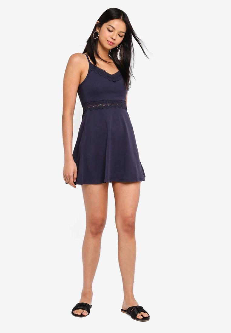 6IXTY8IGHT Crochet Cami Black Trim Dress YFnWPFwrtq