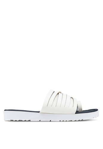 Te Chi-Chi beige Slip On Sandals TE125SH11MSYMY_1