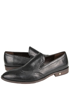 d6371cba005 58% OFF Tomaz Tomaz F216 Wingtip Slip Ons (Black) RM 518.00 NOW RM 219.00  Sizes 40 44