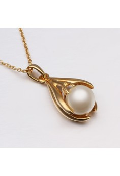 Treasure by B&D N593 Plated with Pearl Inlayed Oval Pendant Necklace