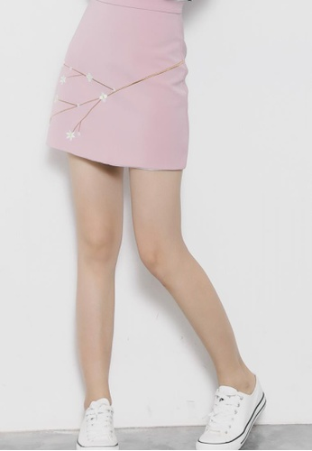 Shopsfashion pink Plum Flower Skirt in Pink SH656AA02WWRSG_1