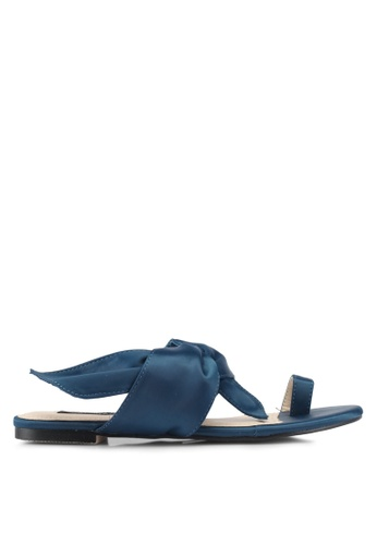ZALORA blue Toe-Ring Sandals 04655SHB4958D4GS_1
