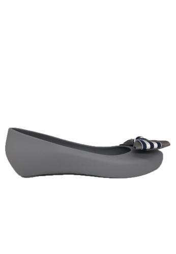 Halo 灰色 新款蝴蝶結魚嘴防水平底鞋 DAA7DSH1F833F0GS_1